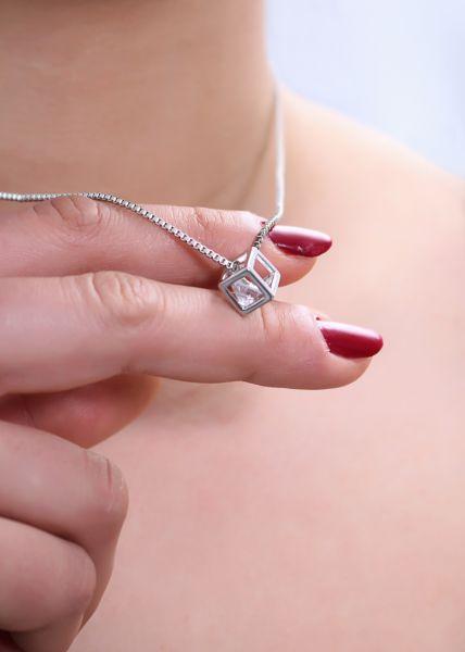 Halskette mit Glitzerstein