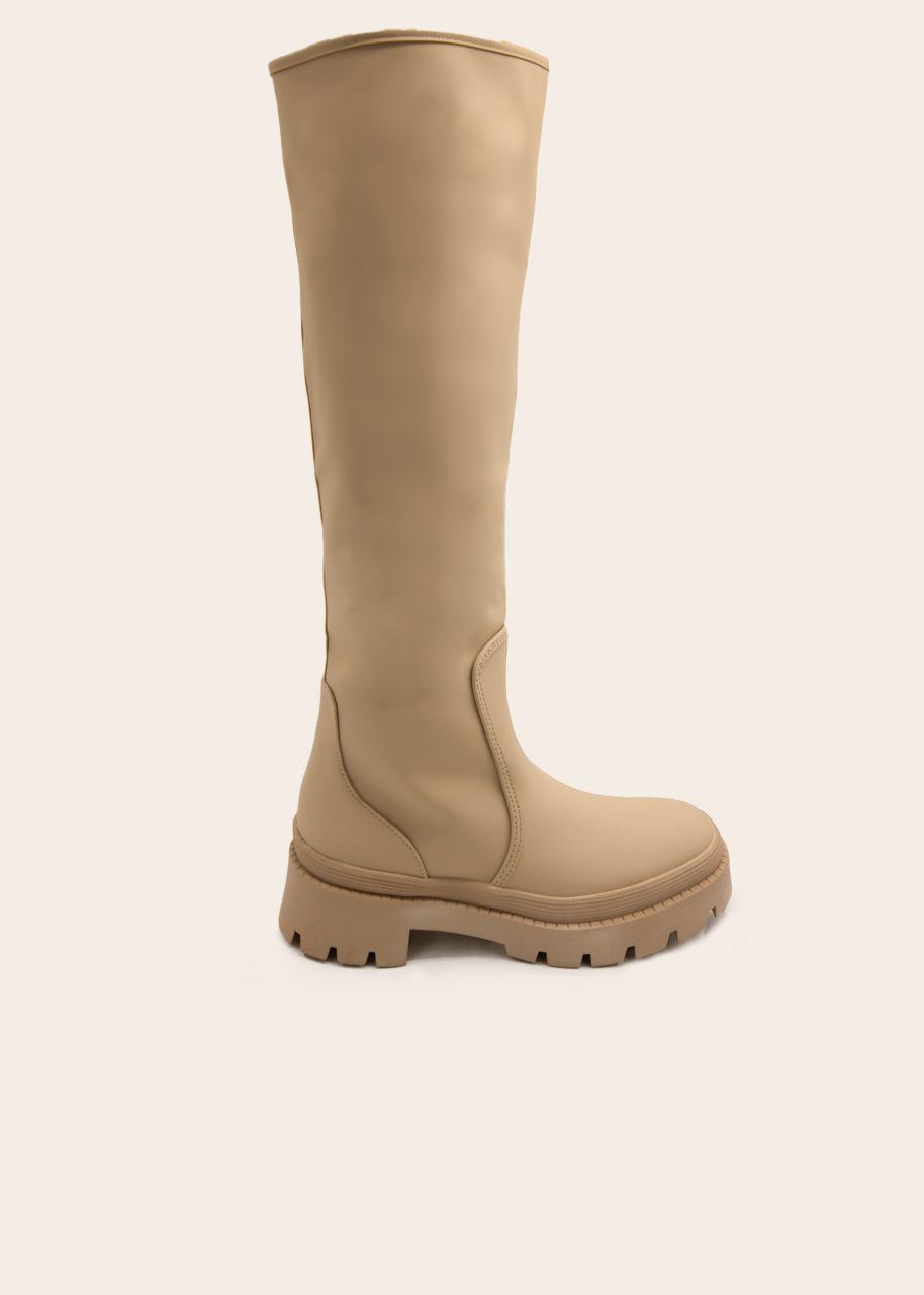 Kniehohe Stiefel mit dicker Sohle, beige