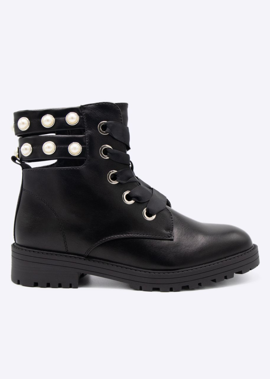 Schnür-Boots, hinten mit Cut-Outs und Perlen, schwarz