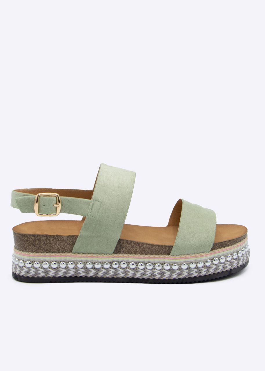 Plateau-Sandalen mit Nieten, hellgrün
