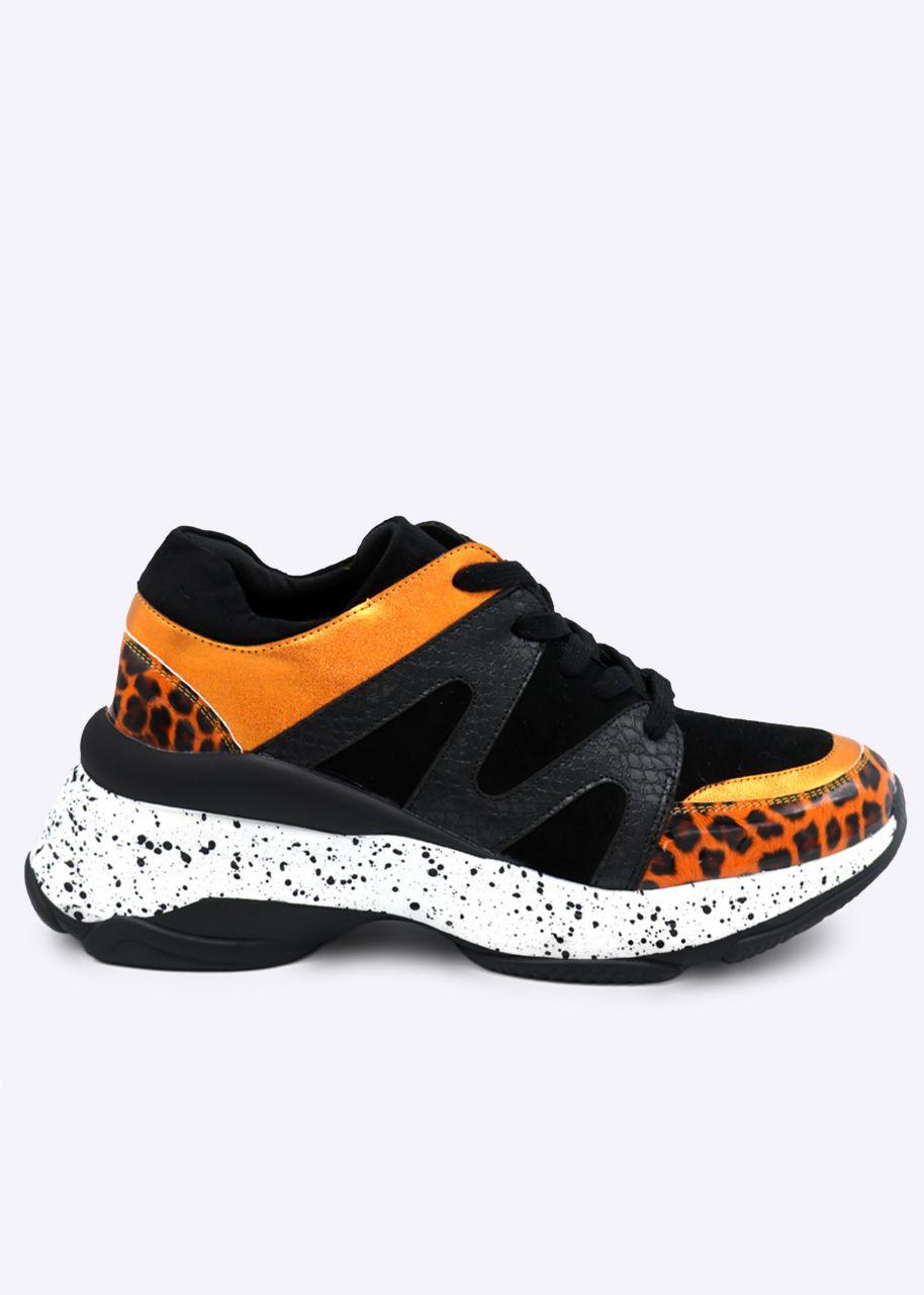 Statement-Sneaker mit orange Leo Details, schwarz