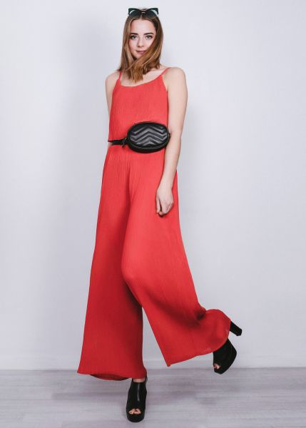Jumpsuit in Plissé, rot