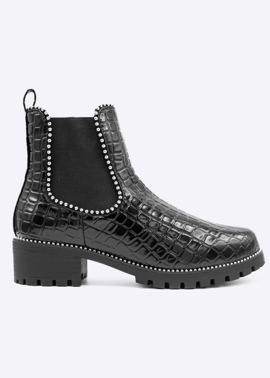 Plateau-Boots mit silbernen Nieten, schwarz