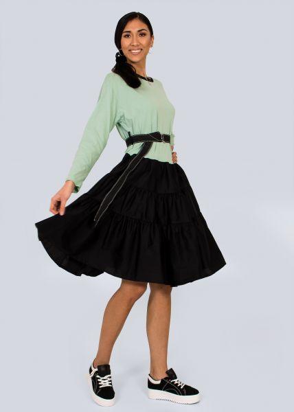 Baumwoll-Kleid mit weitem Volantsrock, grün/schwarz