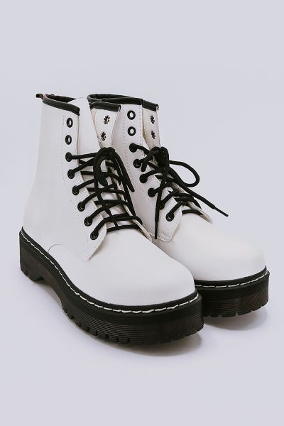 Plateau-Boots mit Schnürung, weiß