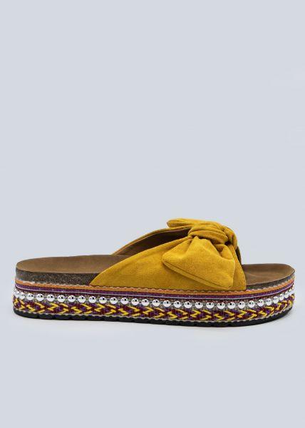 Plateau-Slider mit silbernen Nieten, gelb