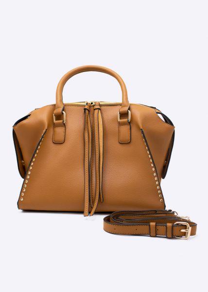 Tasche mit Stepp und mit goldenen Nieten, camel
