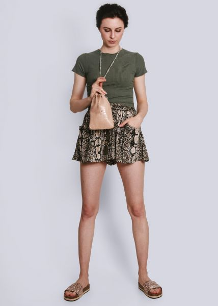 Shorts in Snake-Print, grün