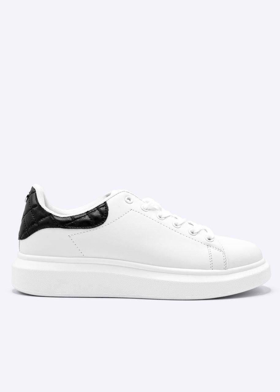 Plateau-Sneaker mit schwarzer Ferse, weiß