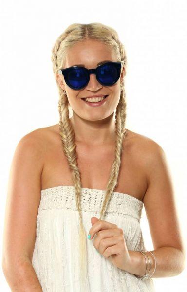Sonnenbrille mit gefärbten Gläsern, blau