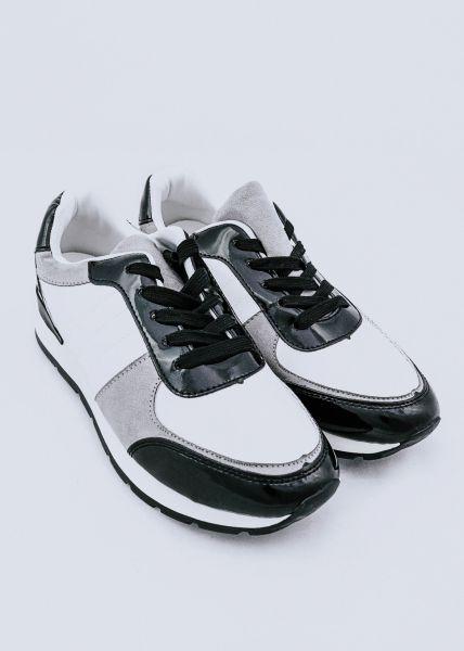 Sneaker mit Lackdetails, schwarz