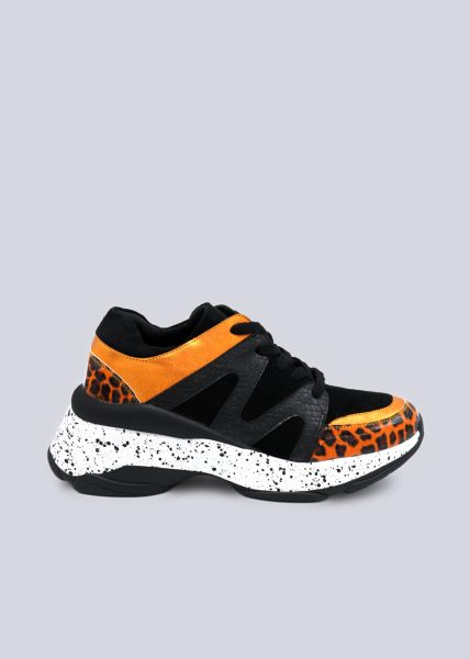 Statement-Sneaker mit orange Leo-Details, schwarz