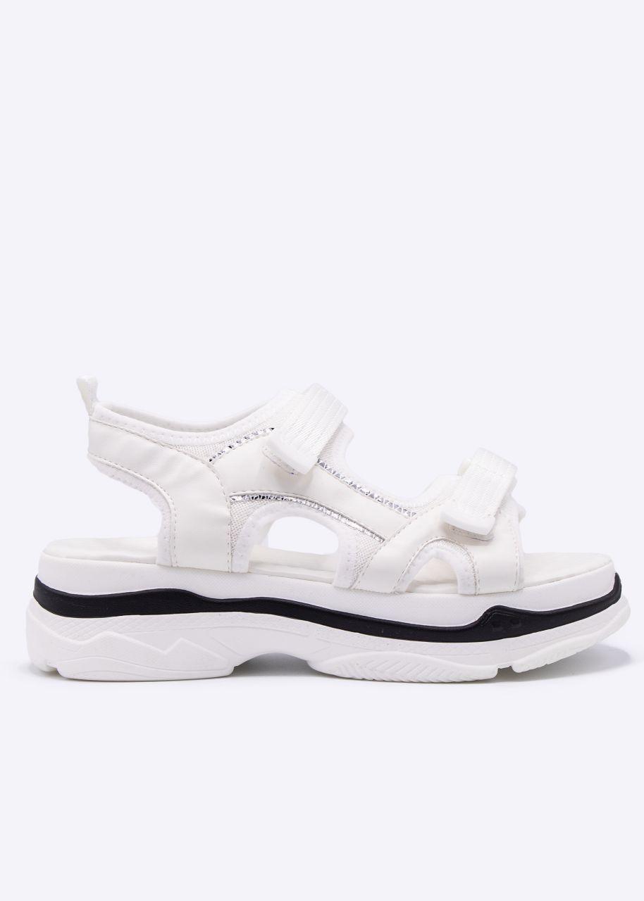 Sandalen mit grober Sohle, weiß