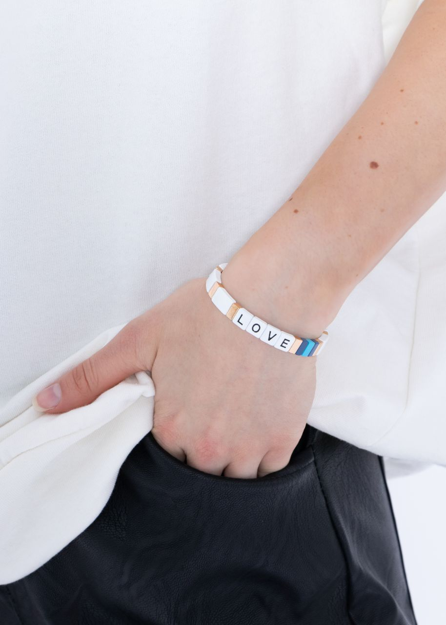 Buntes LOVE Armband, weiß