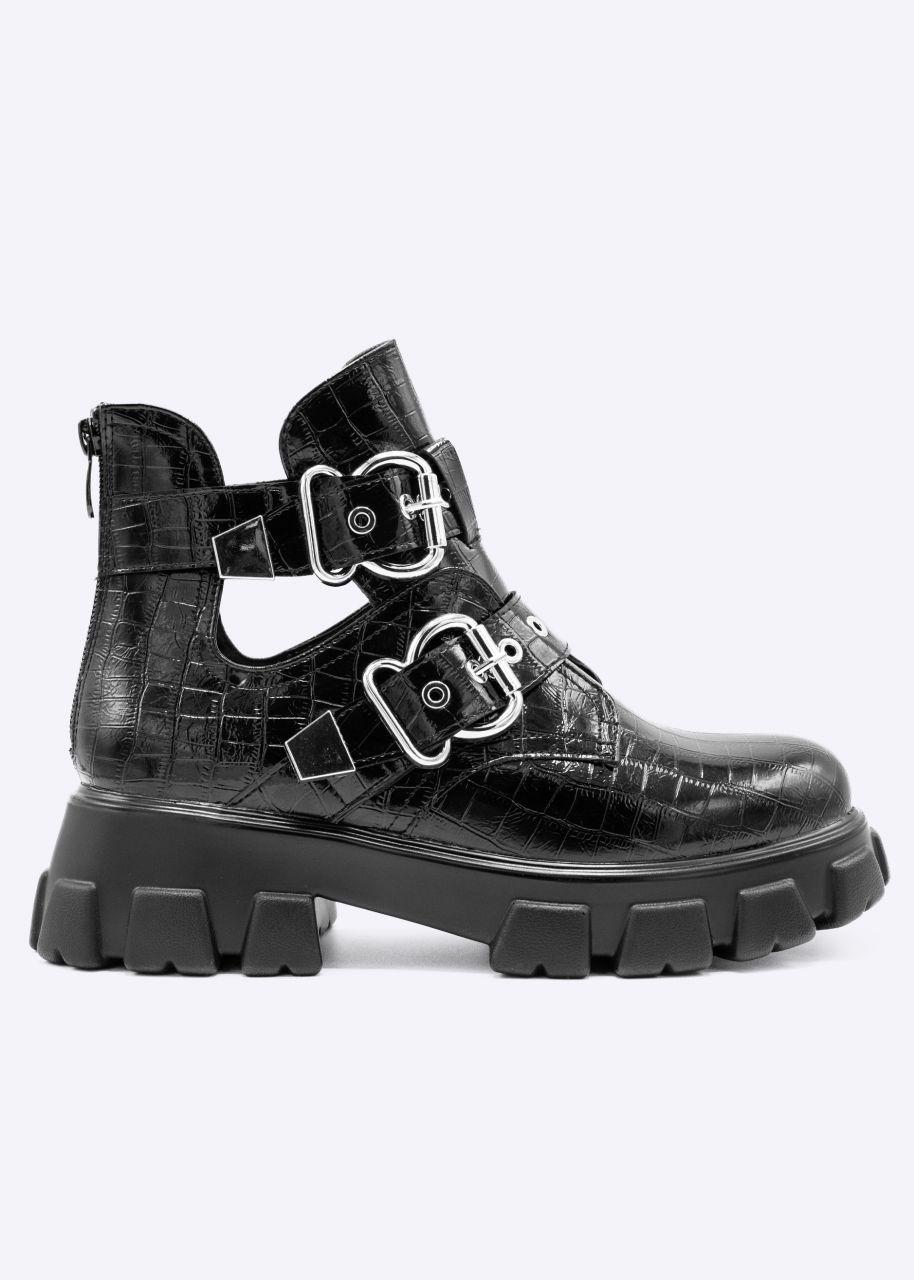 Plateau-Boots in Kroko-Optik mit silbernen Schnallen, schwarz