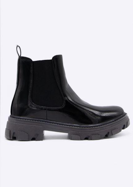 Lack-Chelsea-Boots mit grober Sohle, schwarz