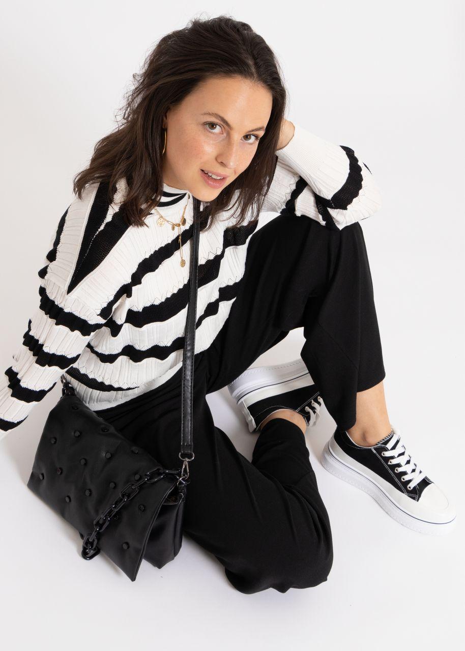 Leichter Pullover mit Streifen, schwarz/weiß