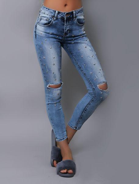 Ripped Jeans mit Sternen und Nieten