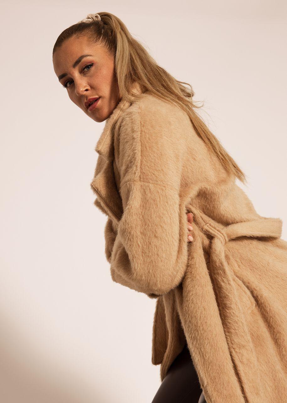 Flausch-Mantel mit Bindegürtel, beige